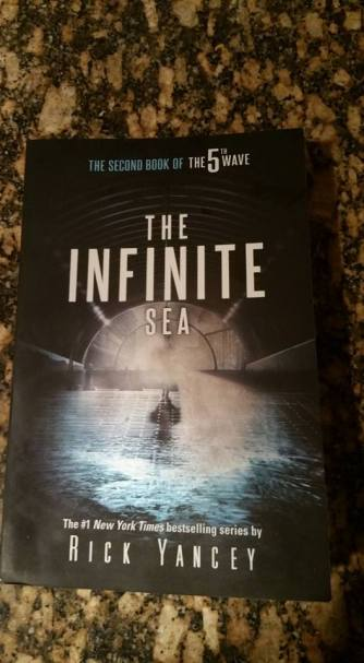fun-book-pics-the-infinite-sea
